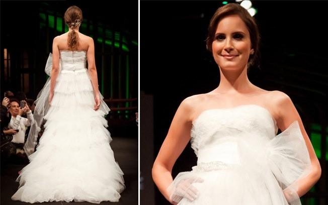 Vestido de noiva com saias emcamadas para noivas gordinhas