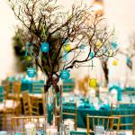 Arranjo de mesa em azul tiffany e verde