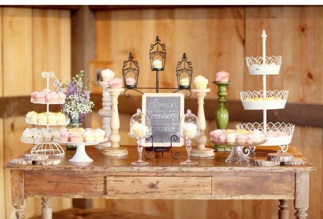 decoração de jardim para casamentos - Seguindo a temática, muitos tons amadeirados e pastéis, para um country romântico.