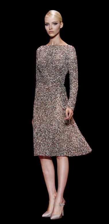 O uso de pedras nas peças torna o design de Elie único - vestidos para convidadas de casamento Elie Saab