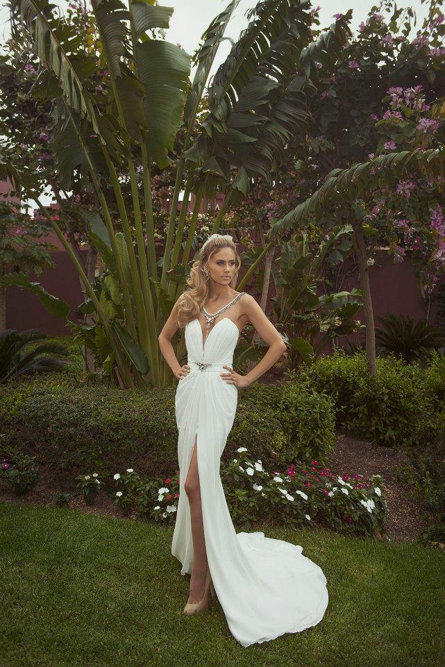 O corte frontal torna o vestido de Tal Kahlon mais perfeito ainda!