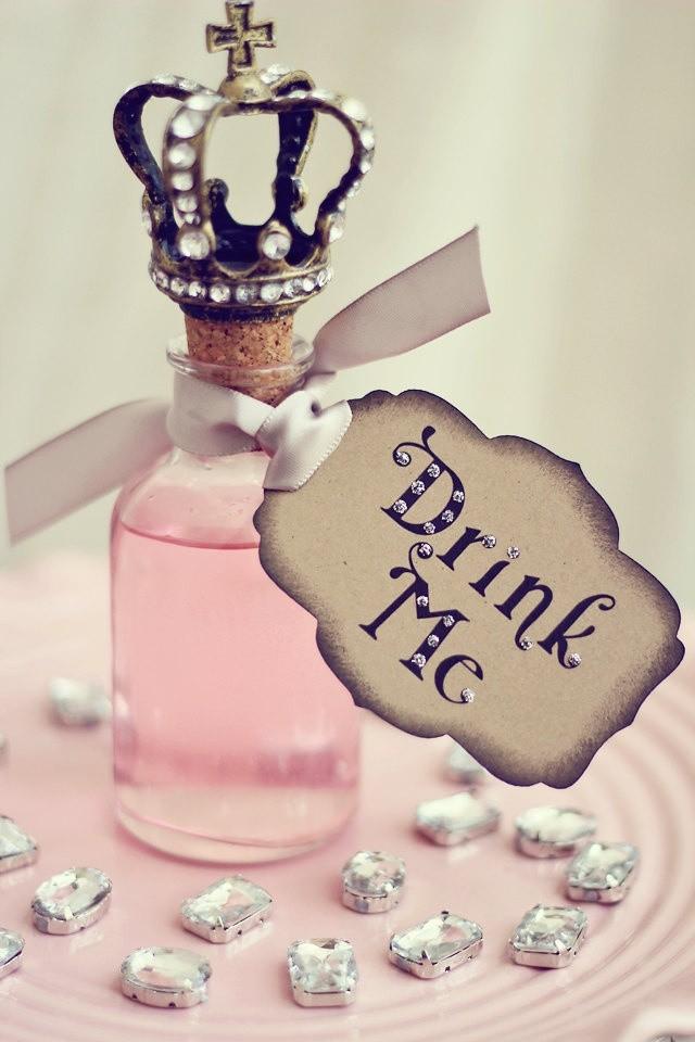 Inspiração para poções mágicas de lembrancinha para seu casamento temático!