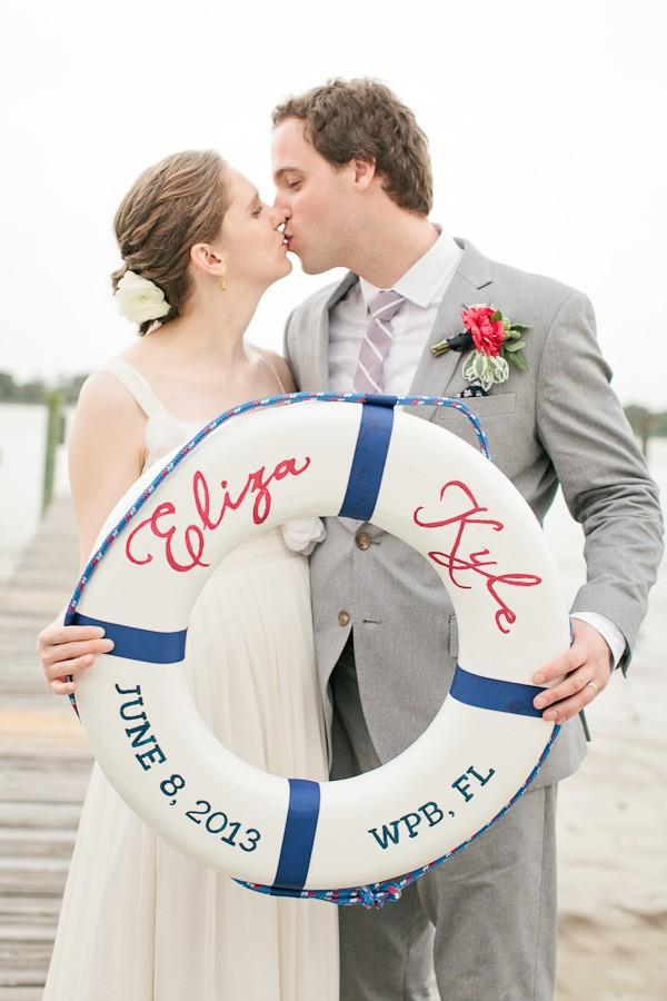 Um estilo elegante e sofisticado, perfeito para um casamento temático. Conheça o estilo navy!