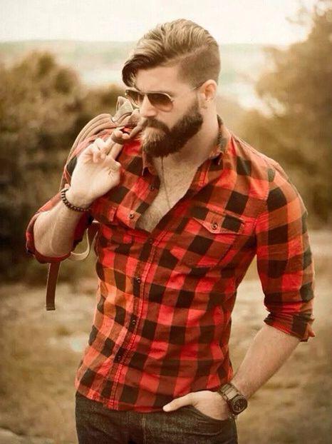 Esse costuma ser o comprimento mais comum de barba no estilo lumbersexual. E vamos combinar que o look é perfeito para um casamento rústico :P Você tem um noivo lumbersexual? Aproveita! ;)