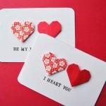 A mensagem escrita com máquina de escrever deu um toque super vintage ao cartão. Vale fazer seu cartão de Valentine's Day com corações dourados e prateados, para um cartão mais chic e elegante ;) Se você quer um cartão alegre e cheio de personalidade, combine cores contrastantes, como rosa e azul claro.