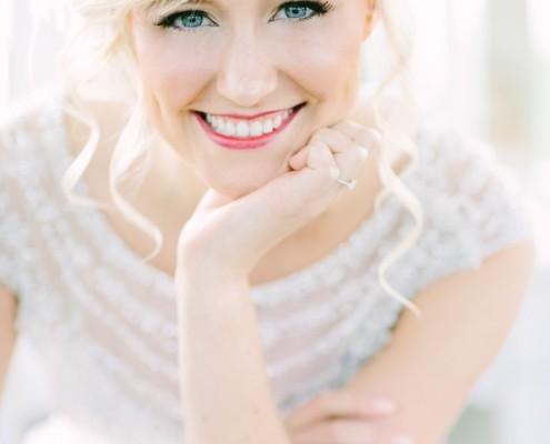 Sorrisos mais sinceros, olhares mais profundos. A empatia pode garantir os melhores resultados em suas fotos e filmagem de casamento! Saiba por quê.