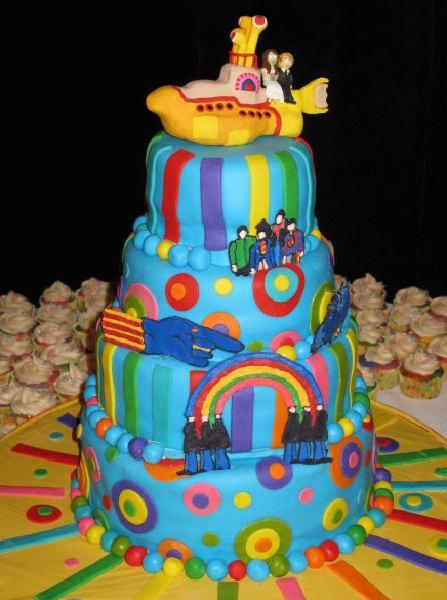 Infaltable la torta con el tema del Yellow Submarine!