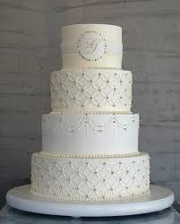 Torta de casamiento con perlitas y brillos