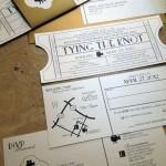 invitaciones de boda originales estilo Entrada al cine con un mapa de la dirección del salón de fiesta