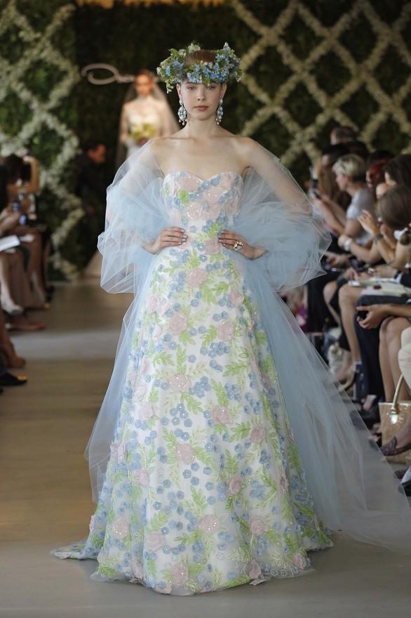Vestidos de novia de Oscar de la Renta flores by Oscar de la Renta