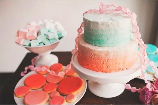 Pasteles para boda civil en coral y turquesa