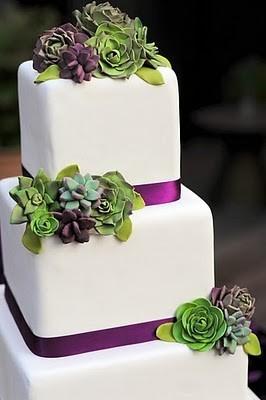Pastel de bodas con flores