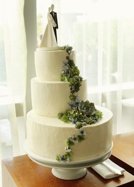 Pastel con flores para bodas