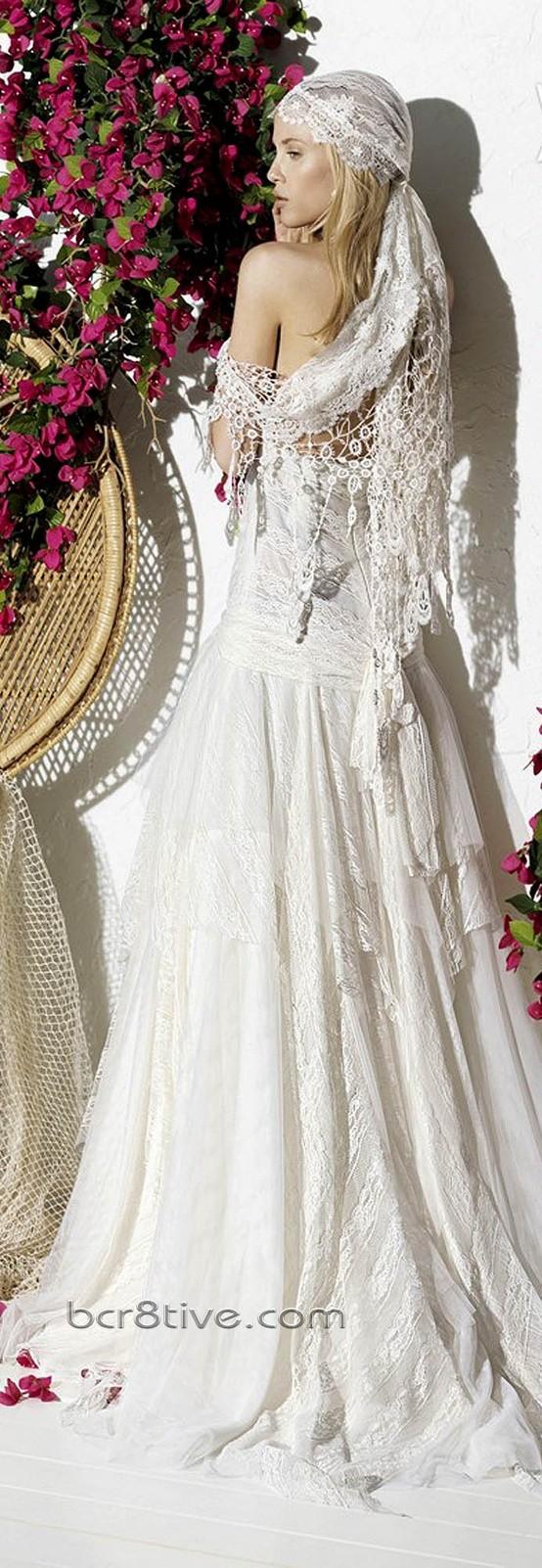 Vestidos ibicencos de la colección de Yolan Cris