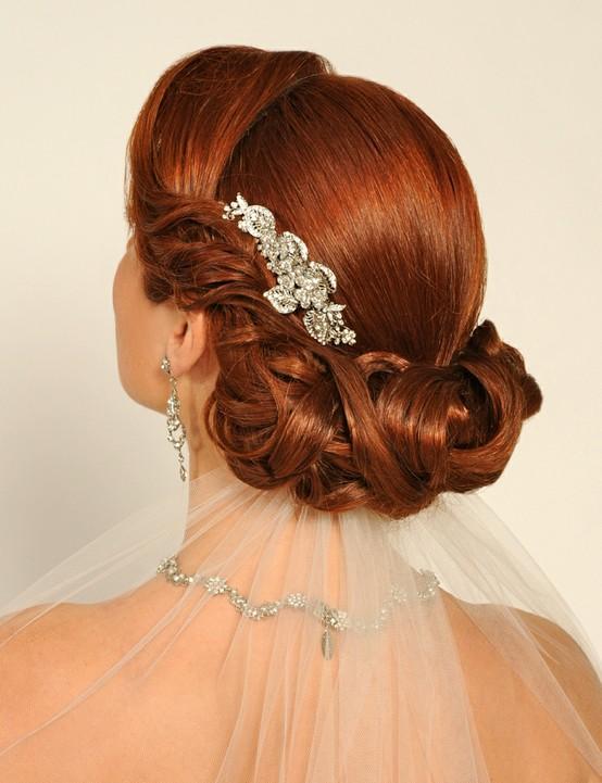 Piensa primero el peinado de novia que más te guste antes de comprar costosos accesorios