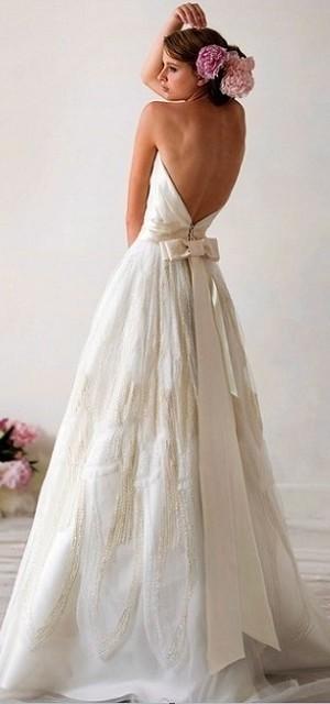 Vestidos de novia sin quebrar el presupuesto para una boda