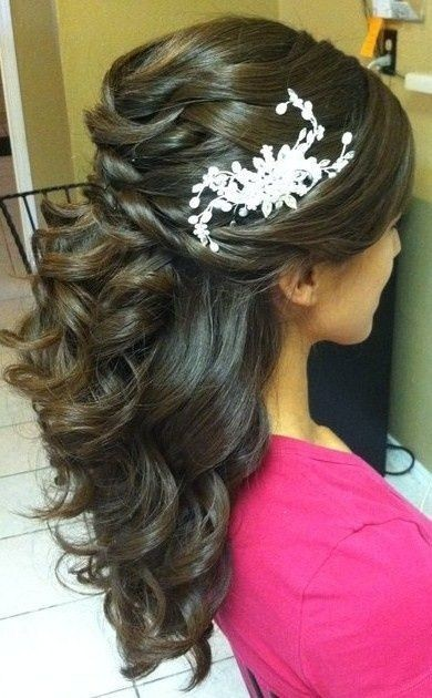 Prueba de peinado de novia con accesorios