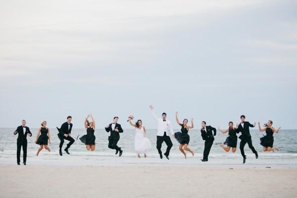 Una foto para agregar al book de una boda en playa!!