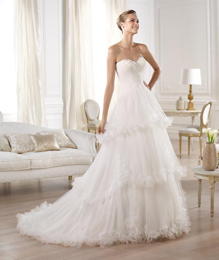 Vestidos de novia 2014 de Pronovias corte princesa - Modelo Olanta