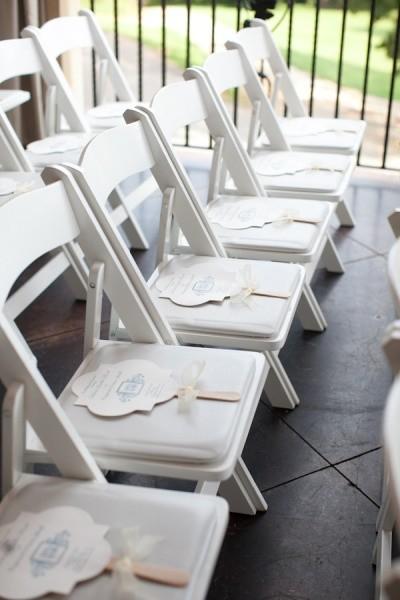 Distribucion de los abanicos para bodas en el jardin