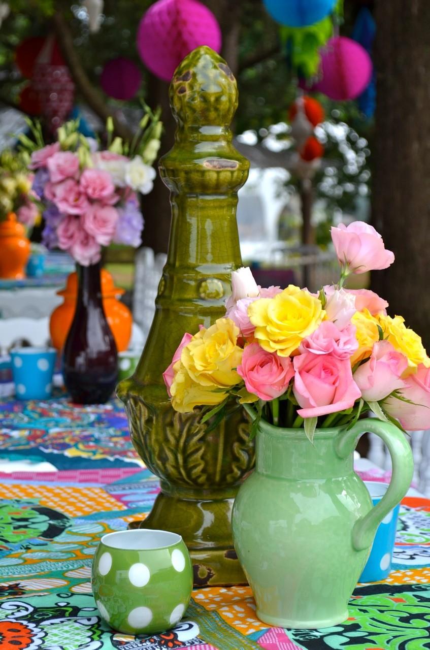 Centros de mesa con color, toques vintage y mucha elegancia!
