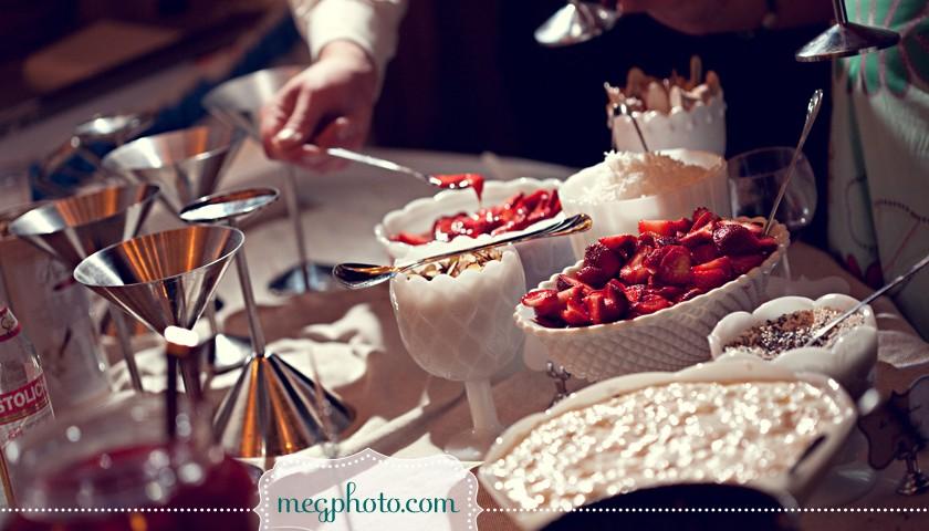 Mesa de postres para boda en verano catering