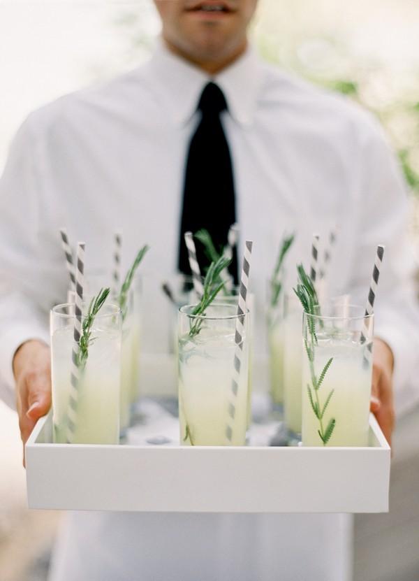 Bebidas personalizadas para la boda. Piensa en una bebida en común que les guste