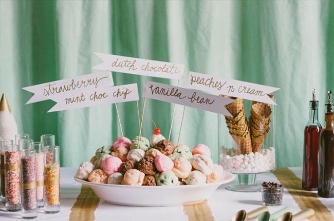 Mesa de postres para boda en verano y mesas dulces