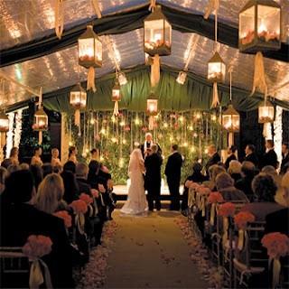 Una ceremonia religiosa sumamente romántica al aire libre