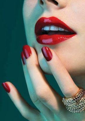 Uñas para novias con esmalte rojo: El rojo pasión nunca pasa de moda
