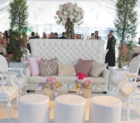 Jardines para bodas al aire libre con espacios llenos de detalles decorativos