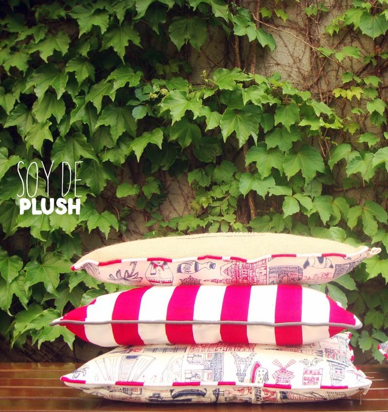 conjunto de almohadones en fucsia estampados