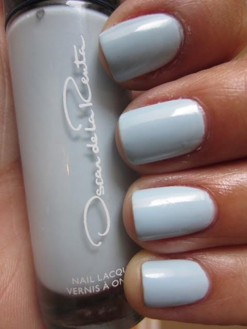 El celeste pastel es el color elegido por Oscar dela Renta para diseños de uñas originales para novias