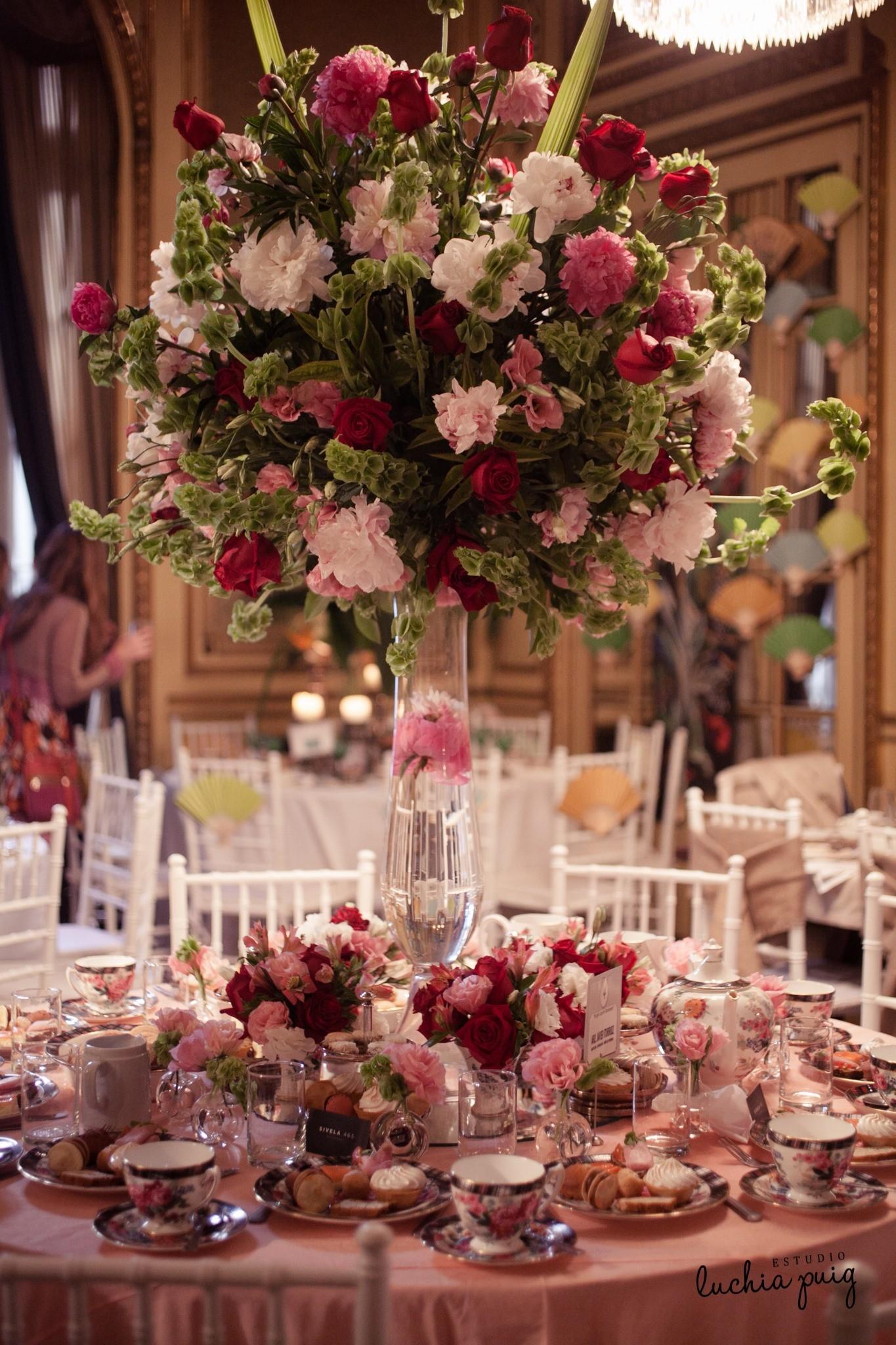 Decoraci n de mesas para casamientos centros de mesa for Decoracion para mesa dulce