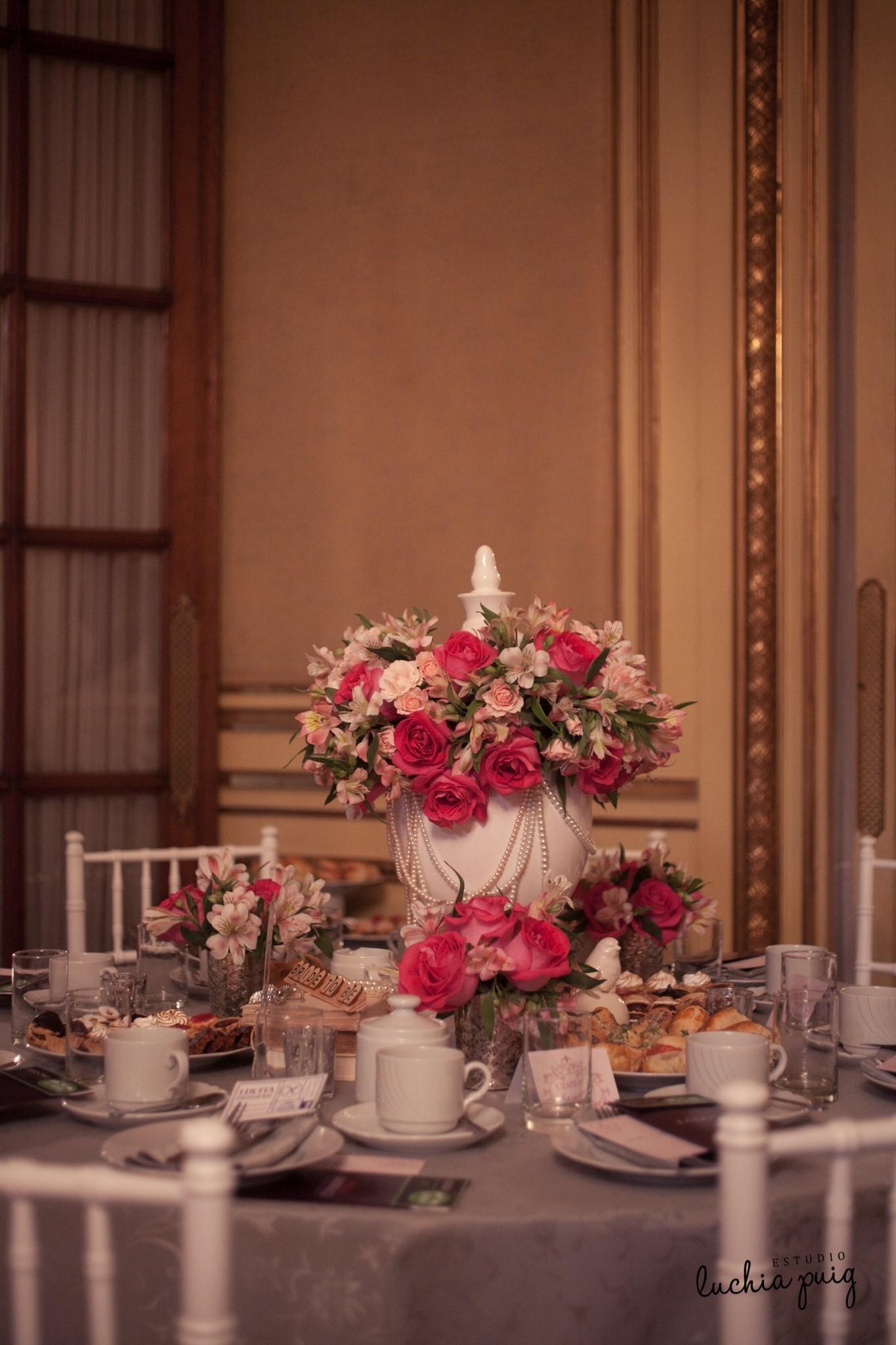 Decoraci n de mesas para casamientos centros de mesa - Mesa de centro blanca ...