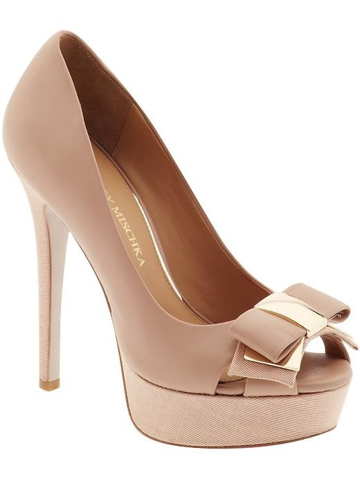zapatos de bodas, un delicado modelo con moño en color nude