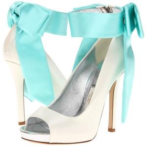 zapatos de novia de Kate Spade