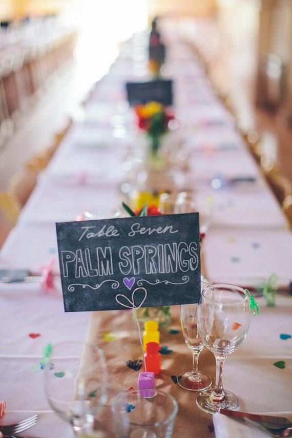 Lugares y numeros para mesas de bodas, una idea super original!