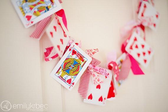 Regalos de San Valentin: Puedes colgar esta guirnalda en cualquier lugar de tu casa! Suerte en el amor!! Sigue nuestro paso a paso para armarla!