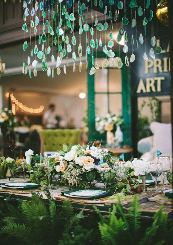 El verde en colores de bodas simboliza la vida, frescura, naturaleza y fertilidad