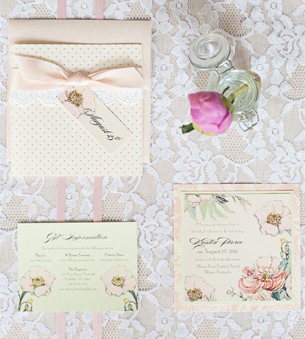 Invitaciones para bodas con sobre y detalles en encaje y moño de raso