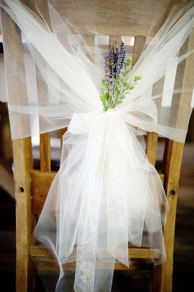 Manualidades para bodas originales: decoración de sillas con tul y