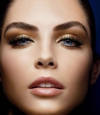 Maquillaje para boda: Cómo hacer un maquillaje para una boda en verano. Abusa de los tonos claros!