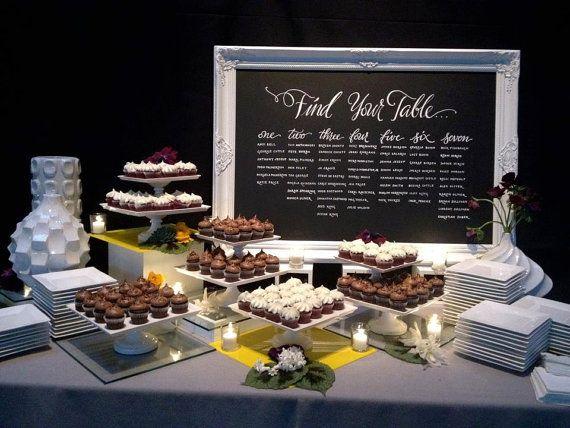 Detalles para bodas: pizarras súper originales! Pizarra con el menú de la mesa dulce