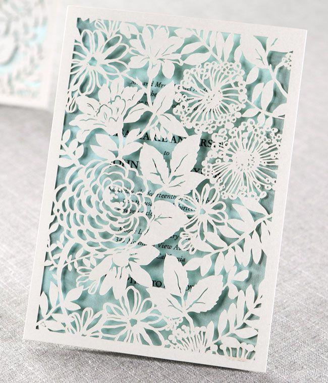 tarjetas cortadas con láser Con esta técnica puedes hacer el diseño que tu quieras.