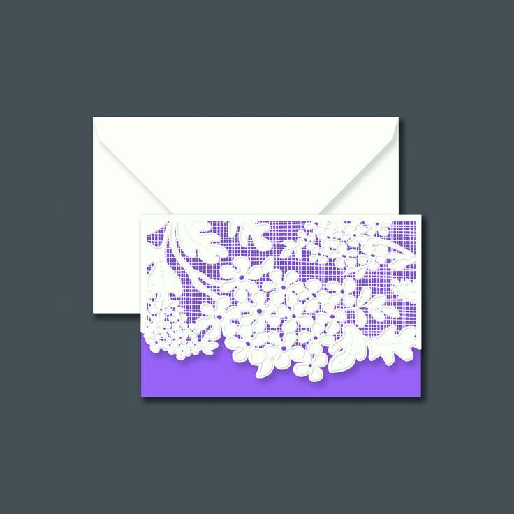 Más Vera Wang:  invitación con corte laser y notas de jazmin en Orquidea Radiante