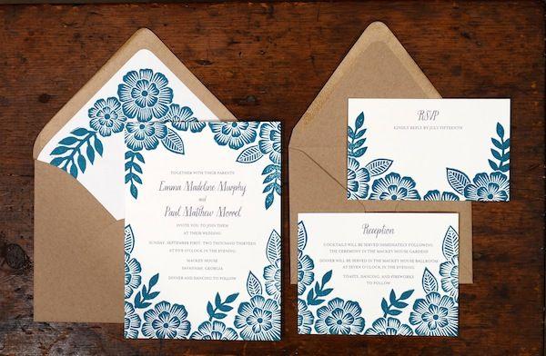 ¿Has escogido invitaciones de boda con estampados florales? Los sobres para invitaciones ahora reflejan tu buen gusto!