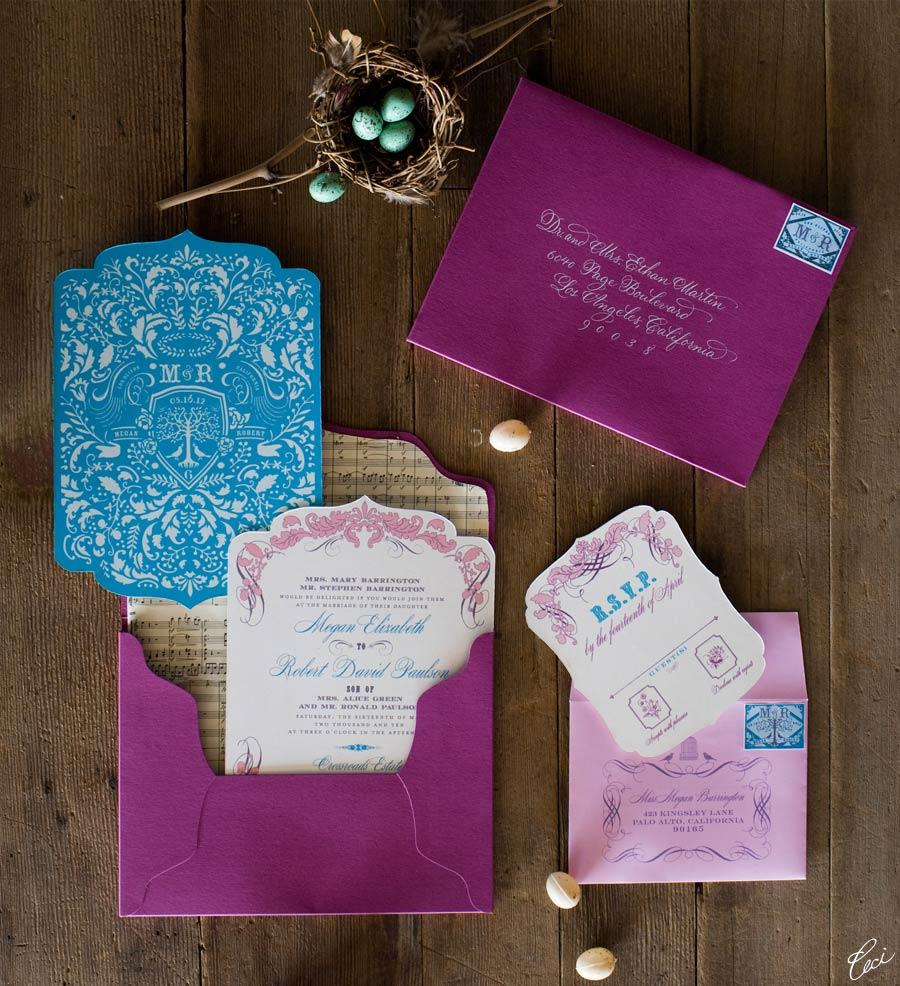 Los colores intensos como el morado cobran protagonismo dentro de estos sobres para invitaciones. ¿Deseas un estilo moderno y original? Los sobres para invitaciones de boda en tonos fuertes son perfectos para ti!