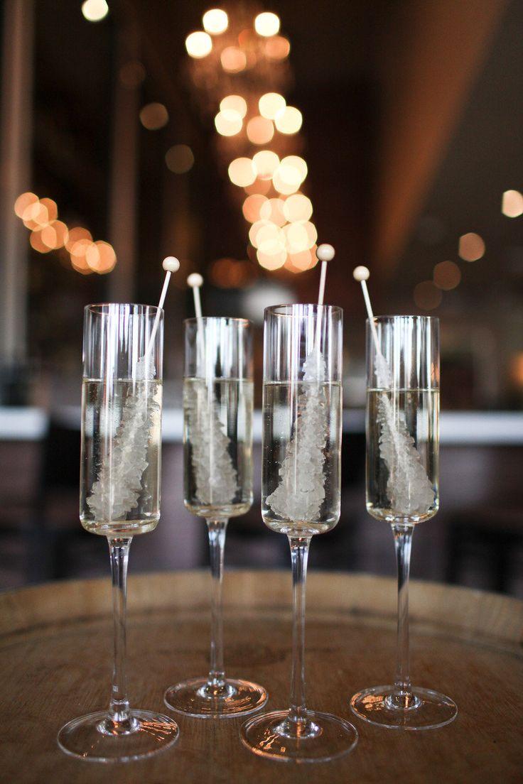 Palitos o piruletas con azúcar cristalizada. Fotografia- Amanda Doublin Photography - Event Planning- Simply Sweet Weddings Events Floral Design- The Bloom of Time