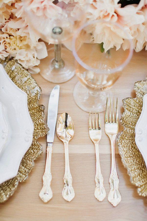 Cubiertos dorados para tu boda glam vintage